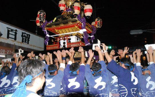 草加宿祭礼「草加もみ」と綾瀬川