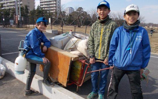 谷古田用水路のゴミ拾い 嬉しい子供たちの善行