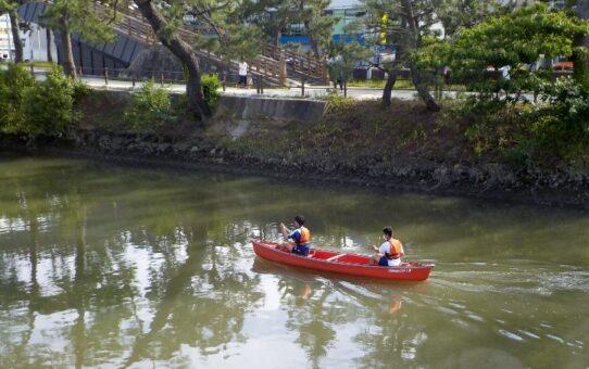 綾瀬川/コロナ禍中 地元高校カヌー部自主活動